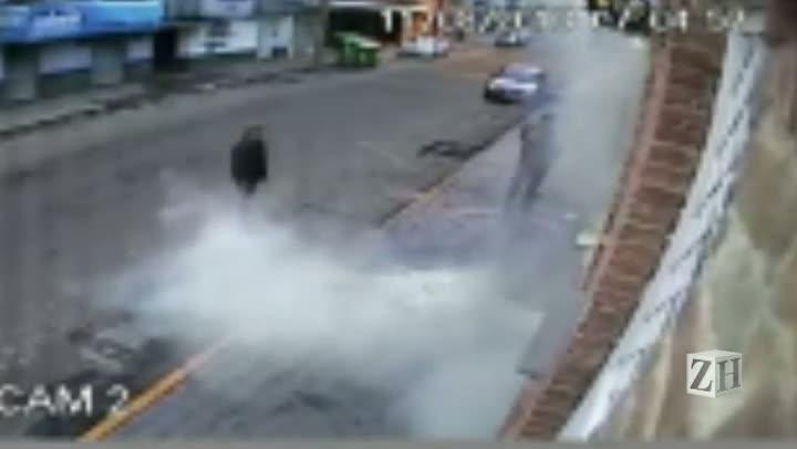 Câmera de segurança flagra atentado à casa noturna em Santa Maria