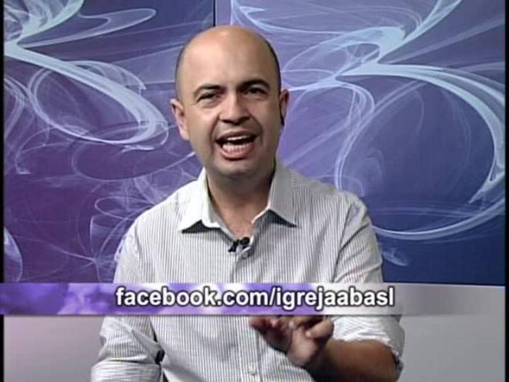 Na Fé - Clipes de música gospel e entrevista com o cantor, publicitário e policial Claudio Conceição - 15/09/2013 - bloco 2