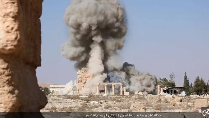EI publica fotos da destruição de templo milenar em Palmira