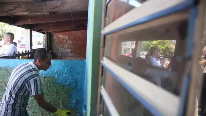 Grêmio inicia pintura de casas no entorno da Arena