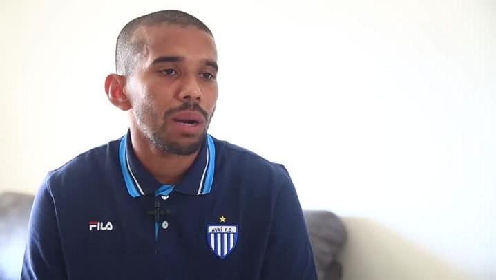 Judson, volante do Avaí, fala sobre lesão e futuro do time