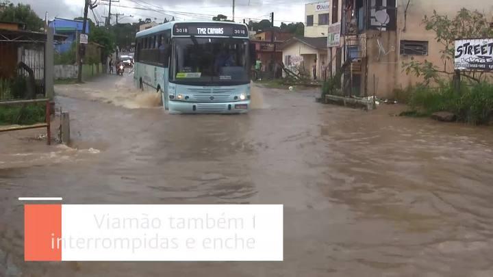 Chuva causa transtornos na Região Metropolitana