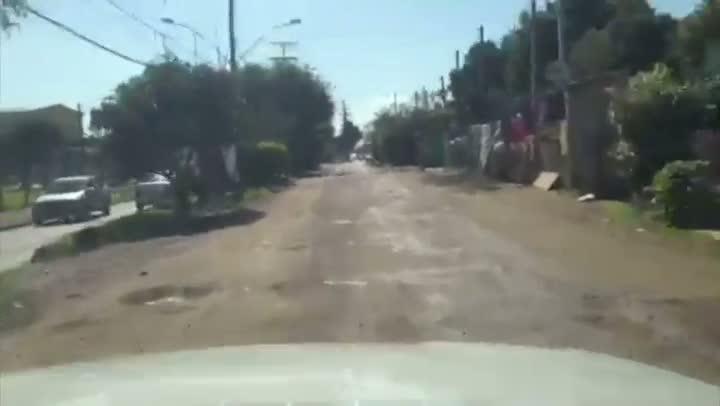 Rua da República em Canoas é principal ponto de reclamação de moradores quanto aos buracos da cidade. 16/08/2013