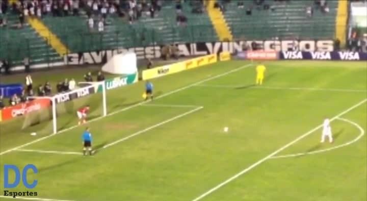 Veja as cobranças de pênaltis entre Figueirense e Bragantino