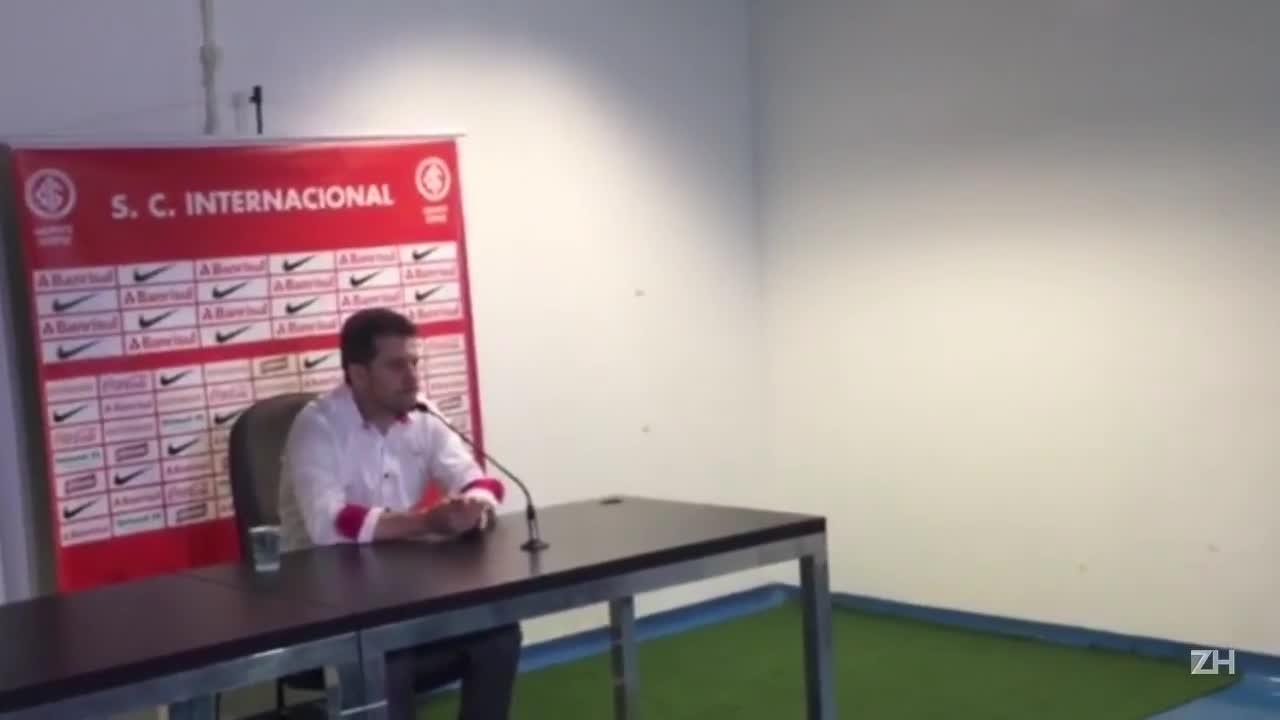 Argel Fucks comenta o desempenho do time em campo