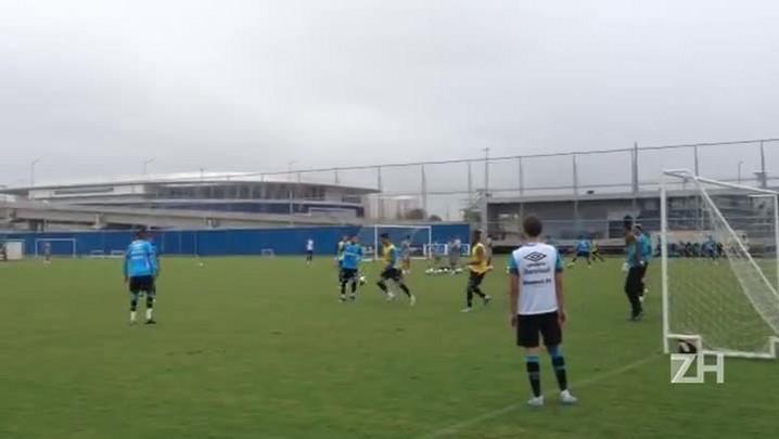 Grêmio treina finalizações no CT Luiz Carvalho