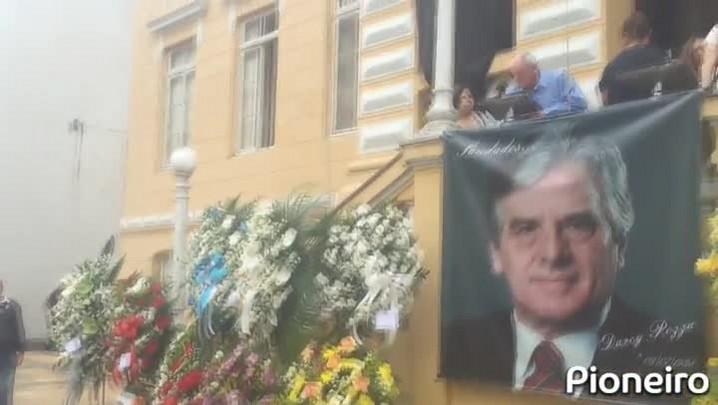 Bento Gonçalves se despede do ex-prefeito Darcy Pozza