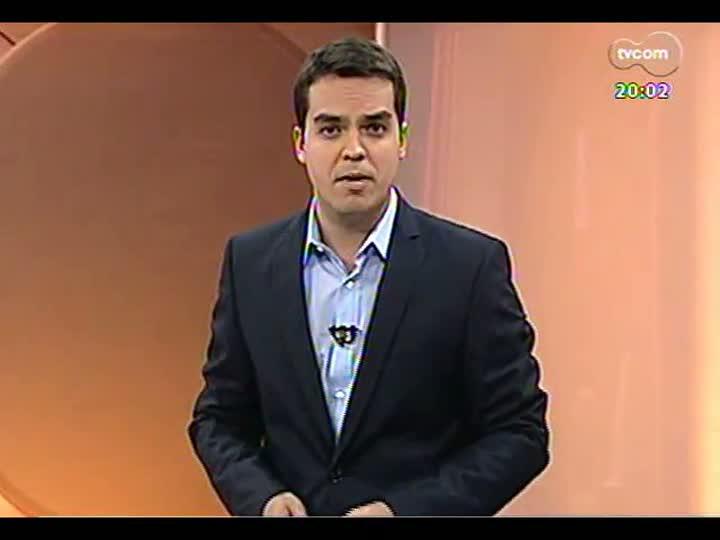 TVCOM 20 Horas - Operários mantêm paralisação das obras do Beira-Rio