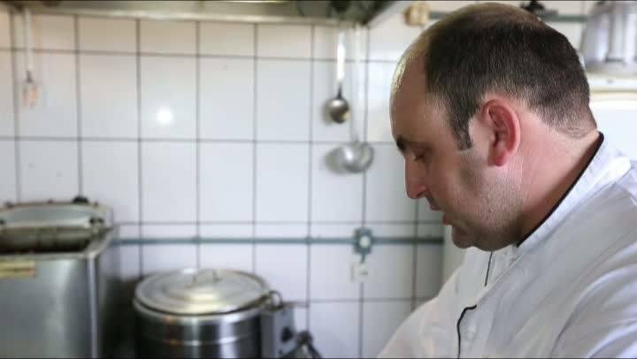 10 tons de omelete: Omelete Português