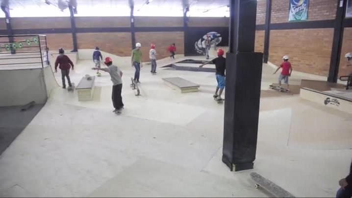 Confira a atividade em pista de Skate em Joinville