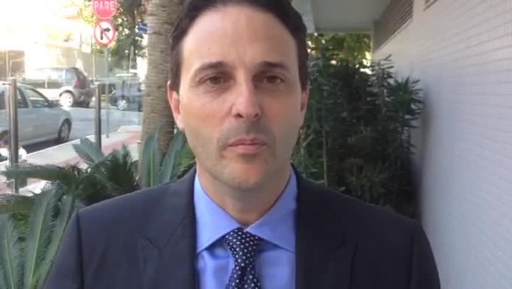 Paulo Bornhausen (PSB) agradece eleitores e pede voto para o presidenciável Aécio Neves (PSDB)