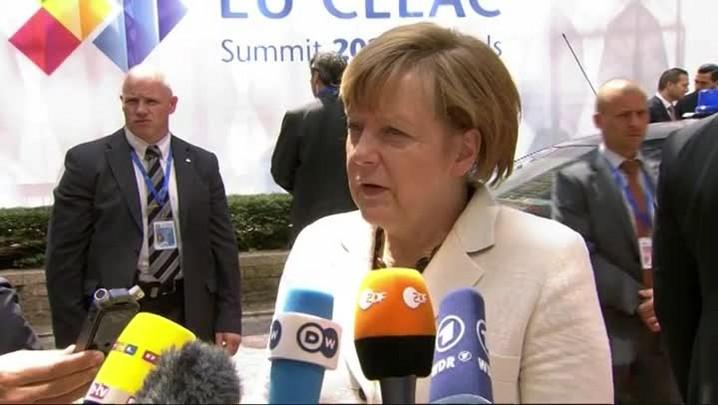 Merkel diz que \'há um caminho para a Grécia\'