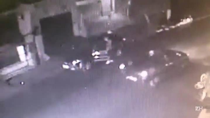 Polícia divulga imagens de linchamento ocorrido em março, em Viamão