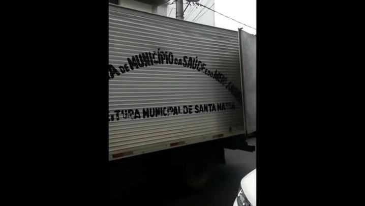 Caminhão provoca congestionamento no centro de Santa Maria