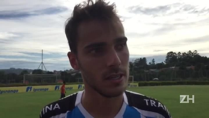 Tontini, meia gremista, fala sobre sua atuação contra o São Paulo