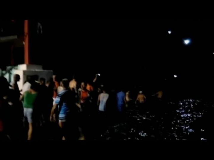 Confira imagens dos momentos após a queda de uma ponte em Araquari