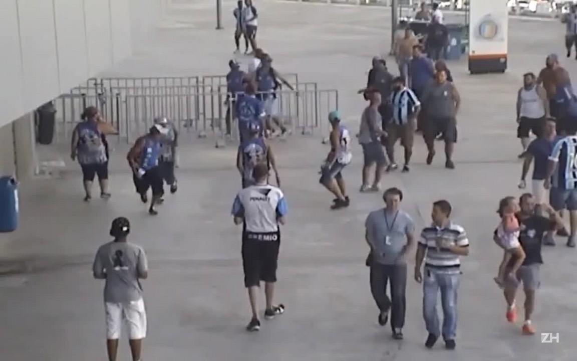 Veja confusão antes de Grêmio x Novo Hamburgo