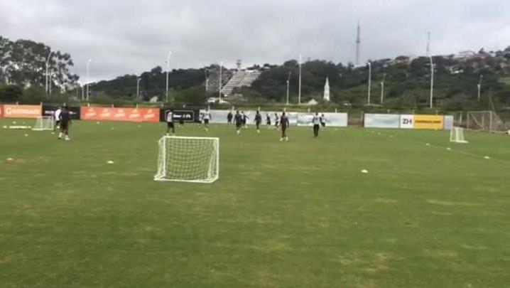 Inter treina para estreia no Brasileirão