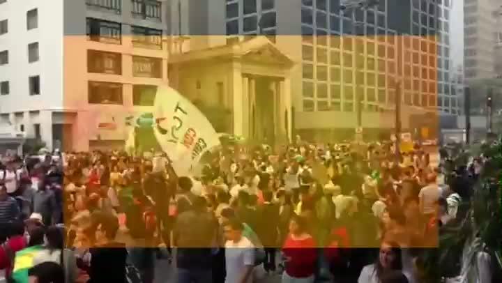 Manifestantes estão concentrados na Avenida Paulista, em São Paulo, em mais um protesto. - 20/06/2013