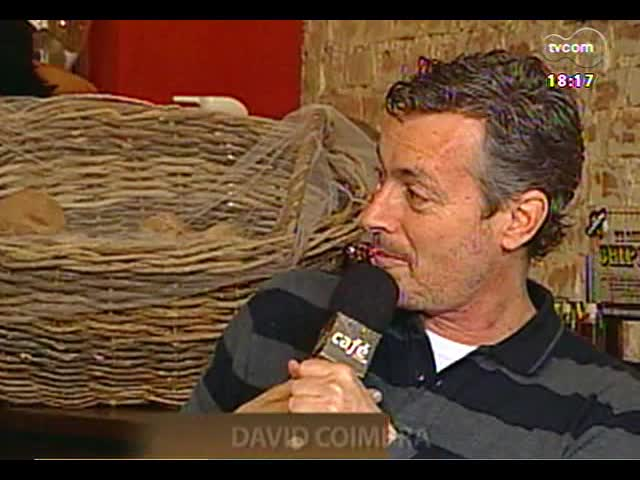 Café TVCOM - Um bate papo com a colunista de Zero Hora Carol Bensimon direto da Spritzeria Pane & Spritz - Bloco 2 - 19/10/2013