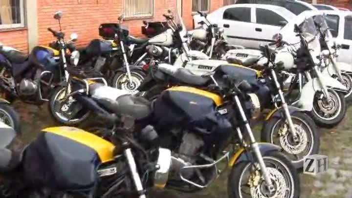 Polícia Rodoviária Federal faz leilão de veículos
