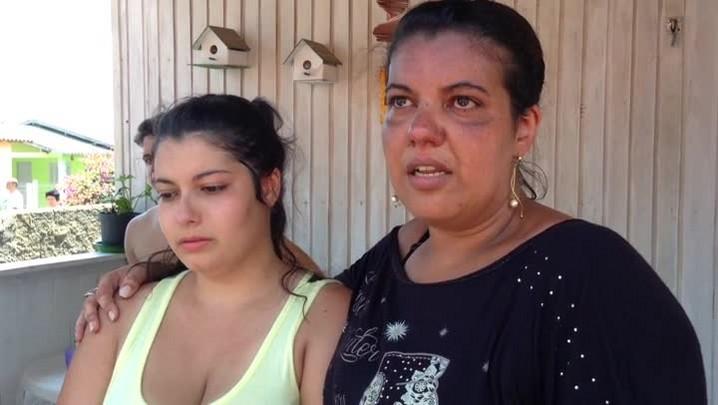 Moradores relatam incêndio em fábrica de Taquara. 02/02/2014