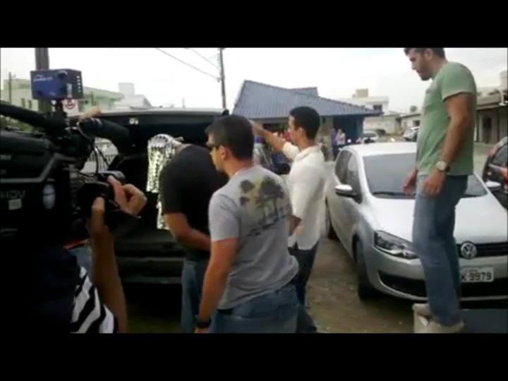 Leandro Emílio da Silva Soares se apresenta à Polícia Civil