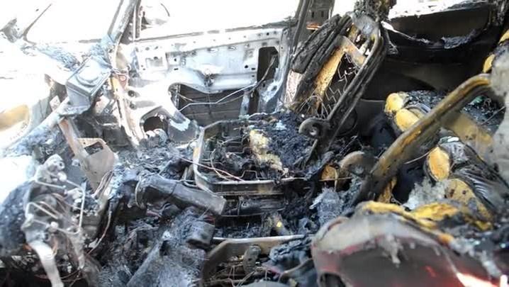 Fogo destrói carro da família de Matheus