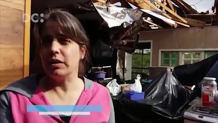 Mulher tem casa destruída por vendaval em Chapecó