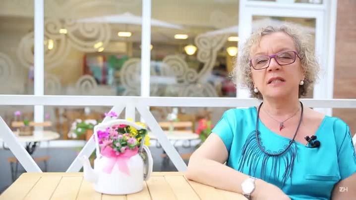 Tradicional sanduicheria de Porto Alegre mantém identidade e memória em novo endereço