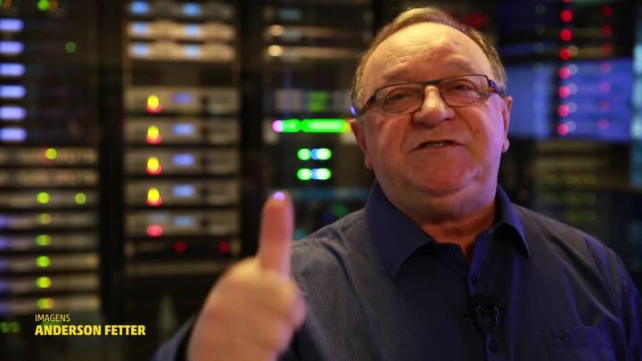 Pedro Ernesto Denardin celebra 45 anos de carreira com show no Theatro São Pedro