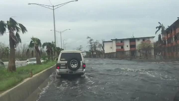 Porto Rico devastado após passagem de furacão