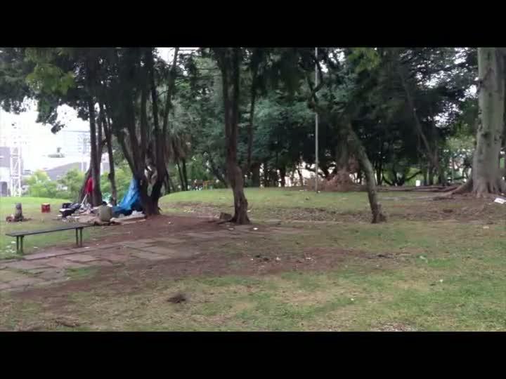 Blitz confere o estado de conservação e limpeza das praças da capital - 23/05/2013