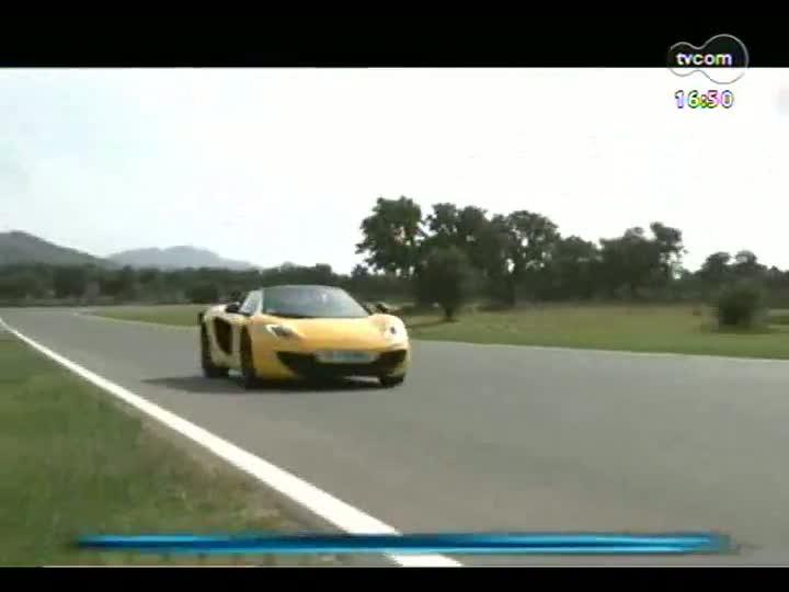 Carros e Motos - Conheça a McLaren Spider, que tem DNA de um Fórmula 1 - Bloco 3 - 09/06/2013