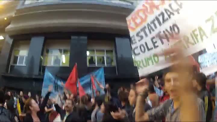 Por dentro do protesto - Com câmera na cabeça manifestante grava momentos da passeata do dia 25.06