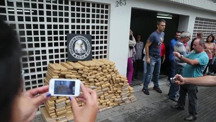Minuto do Martini: apreensão de maconha vira atração em Florianópolis