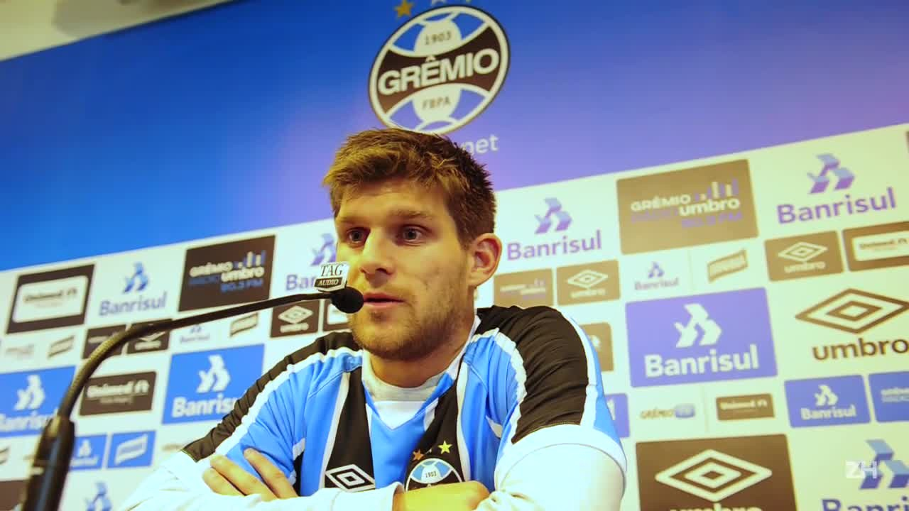 Kannemann é apresentado no Grêmio