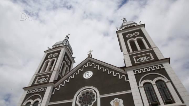 Confira a polêmica da reforma da Igreja Matriz em Nova Trento