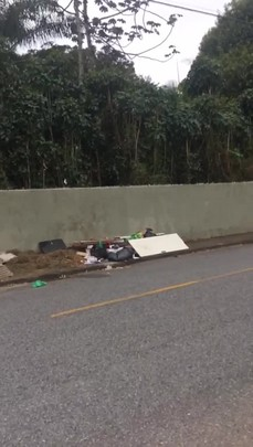 Descarte irregular de lixo 19/09/2017