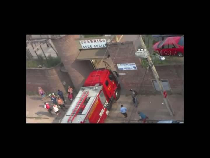Ouvinte flagra imagens do incêndio em pátio da Carris. 20/12/2012