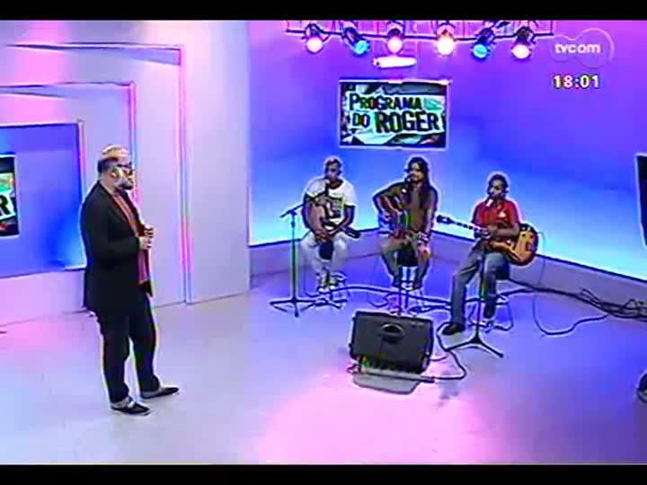 Programa do Roger - Adriano Trindade, Rafael Machado e Juliano Moreira tocam Djavan - bloco 2 - 25/03/2013