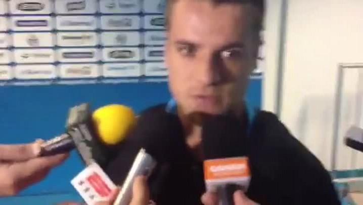 Confira a entrevista com Ramiro na chegada dos jogadores na Arena - 18/5/2014