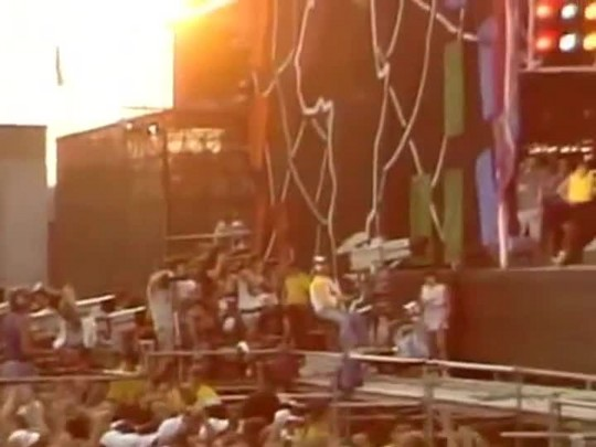 TVCOM Tudo Mais - Músicos comemoram o Dia Mundial do Rock no palco do Tudo+