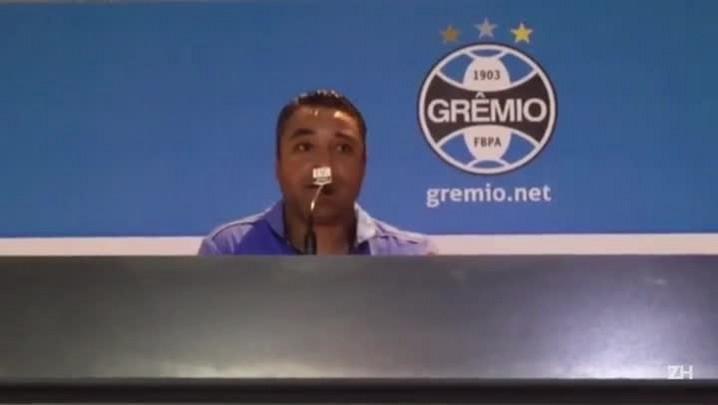 Roger fala após vitória gremista sobre o Atlético-MG