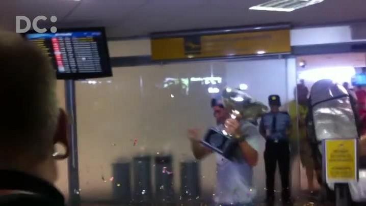 Após título mundial, Mineirinho desembarca em Florianópolis