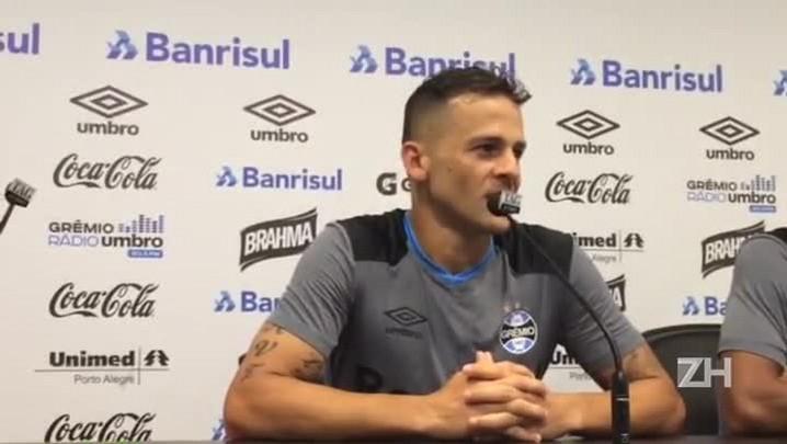 Bobô fala sobre alternativas do ataque do Grêmio