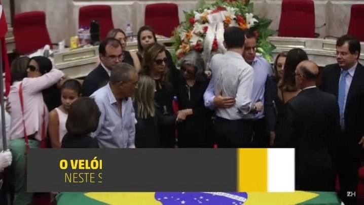 Corpo de Teori Zavascki é sepultado em Porto Alegre