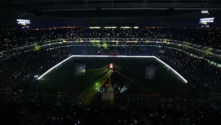 Michel Teló canta antes de Grêmio x Lanús