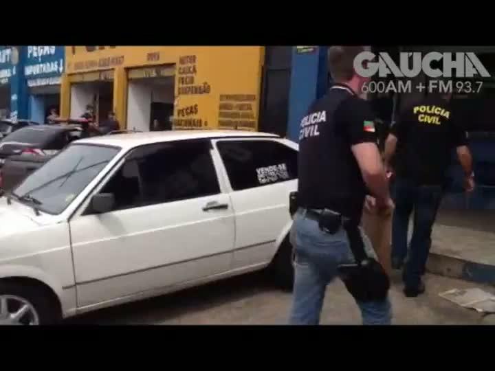 Operação na Sertorio e Protásio em 23 ferros velho suspeitos de vender peças de carro roubadas. 16/10/2012