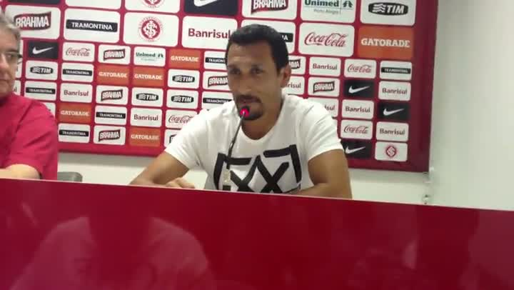 Guiñazu dá a última coletiva como jogador no Inter